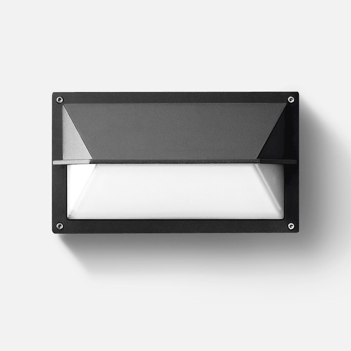 Impact-resistant wall luminaire